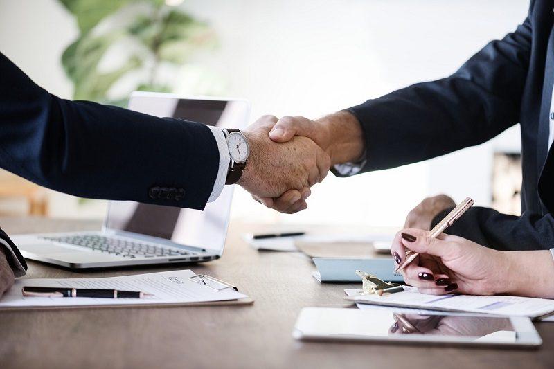 ビジネスマンにおすすめの英会話スクール選び