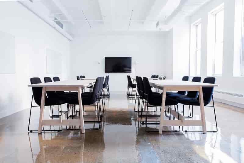 会議で使える賛成・反対のビジネス英語フレーズ