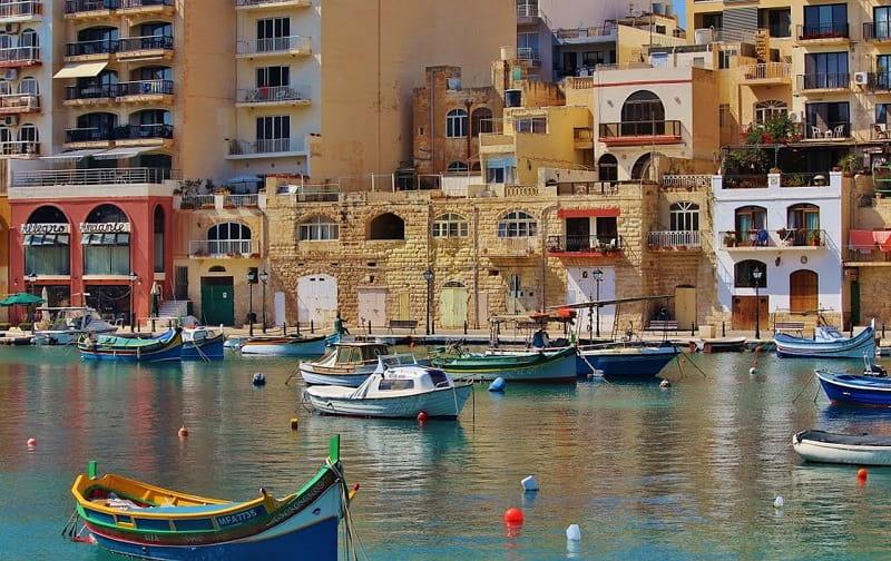 マルタ首都バレッタの海と港町